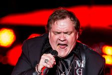 Meat Loaf Hospitalized After Collapsing On Stage