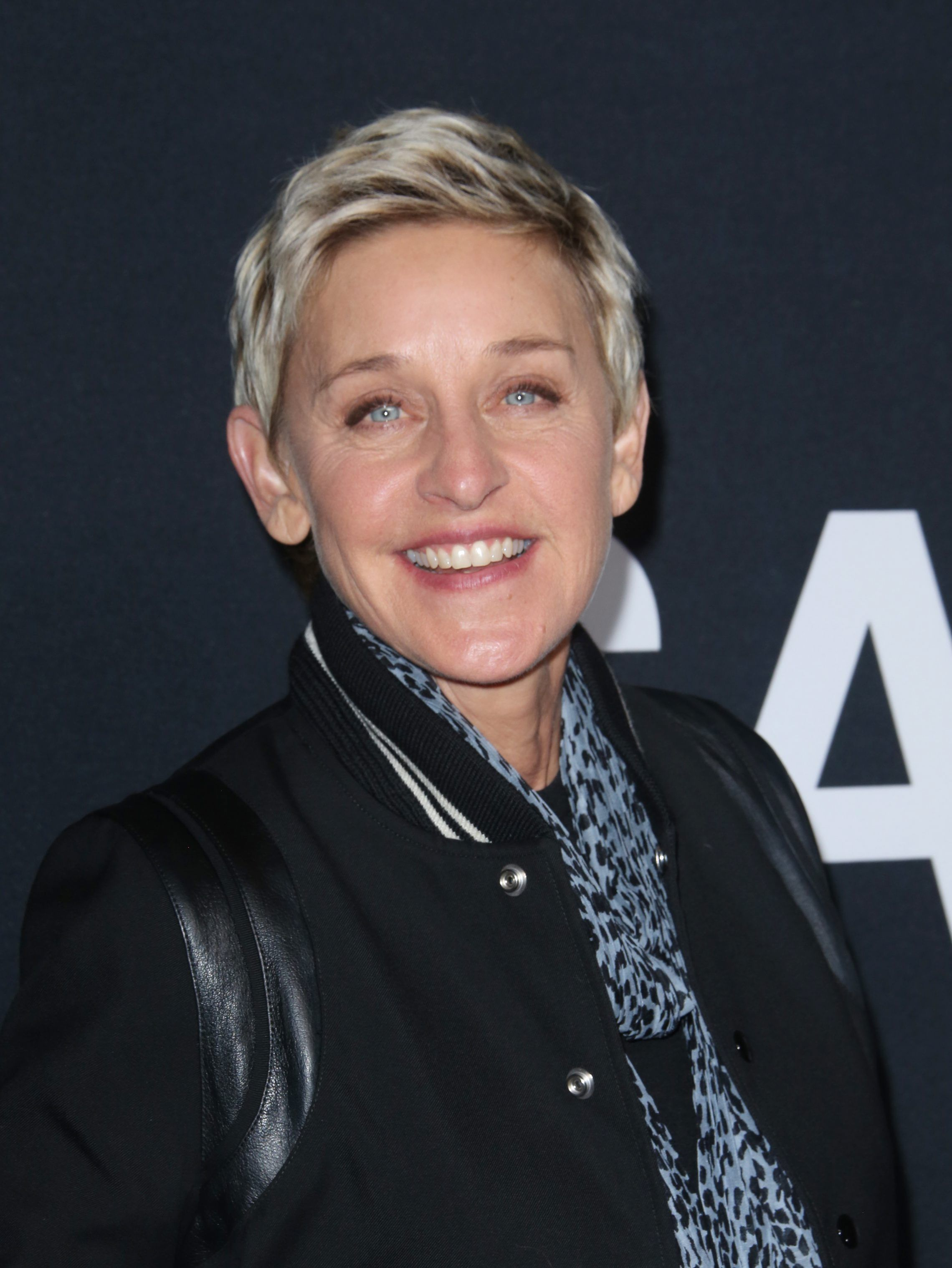 10 Ellen DeGeneres Pranks That Will Make You Laugh Out Loud - Fame10