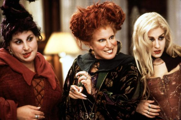 Sarah Jessica Parker Says The Original Sanderson Sisters Want To Return For 'Hocus Pocus 2'