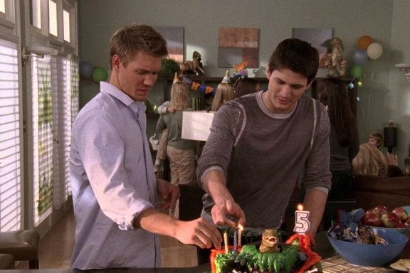 One Tree Hill: Plot Holes And Mistakes