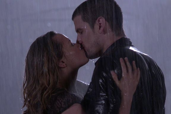 One Tree Hill: 12 Most Popular Couples All Ranked From Worst To Best