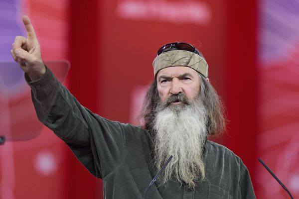 Duck Dynasty: Behind The Scenes Controversies
