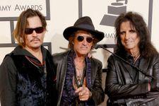 Aerosmith Guitarist Joe Perry Hospitalized After Stumbling On Stage