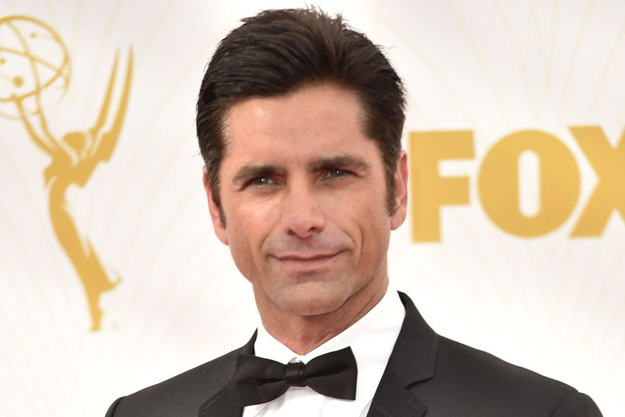 John Stamos Uses 'Full House' Couch As A Baby Gate And His Costars React