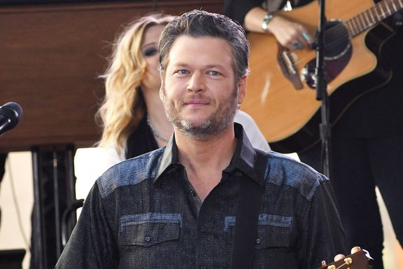 Blake Shelton Releases Apology After Offensive Tweets Resurface