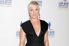 Pink Shares Empowering Message To New Moms With Gym Selfie