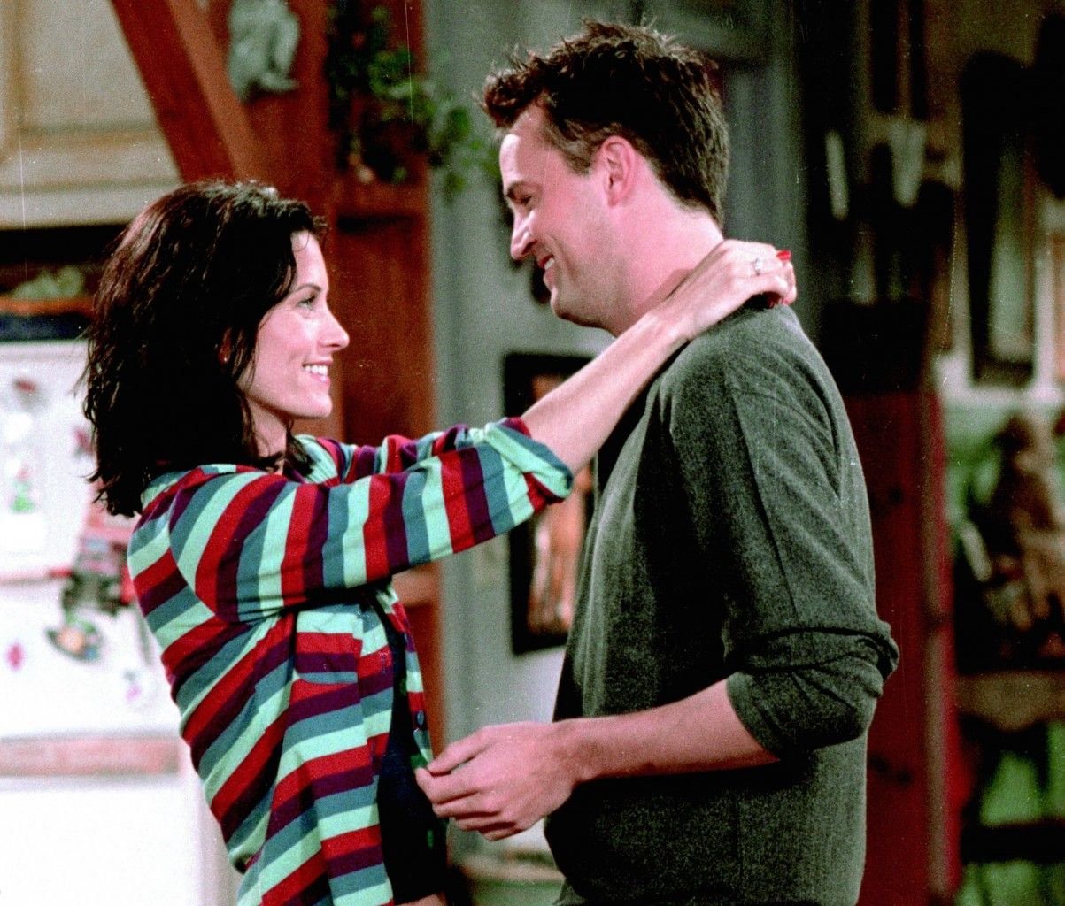 Friends: Chandler's Love Interests Ranked - Fame10