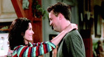 Friends: Chandler's 12 Love Interests Ranked From Worst To Best
