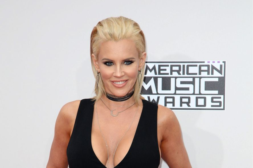 Jenny McCarthy Blasts Mariah Carey Over NYE Performance