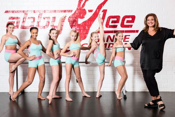 Dance Moms: 7 Behind The Scenes Secrets
