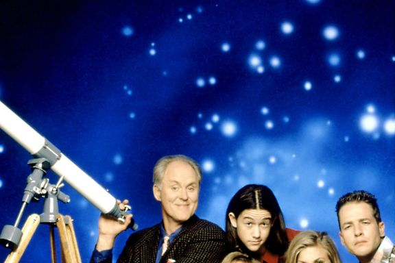 Cast Of '3rd Rock From The Sun': How Much Are They Worth Now?