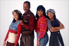 Cast Of Sister, Sister: How Much Are They Worth Now?