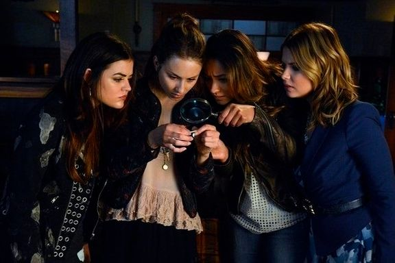 Pretty Little Liars' 10 Biggest Plot Holes