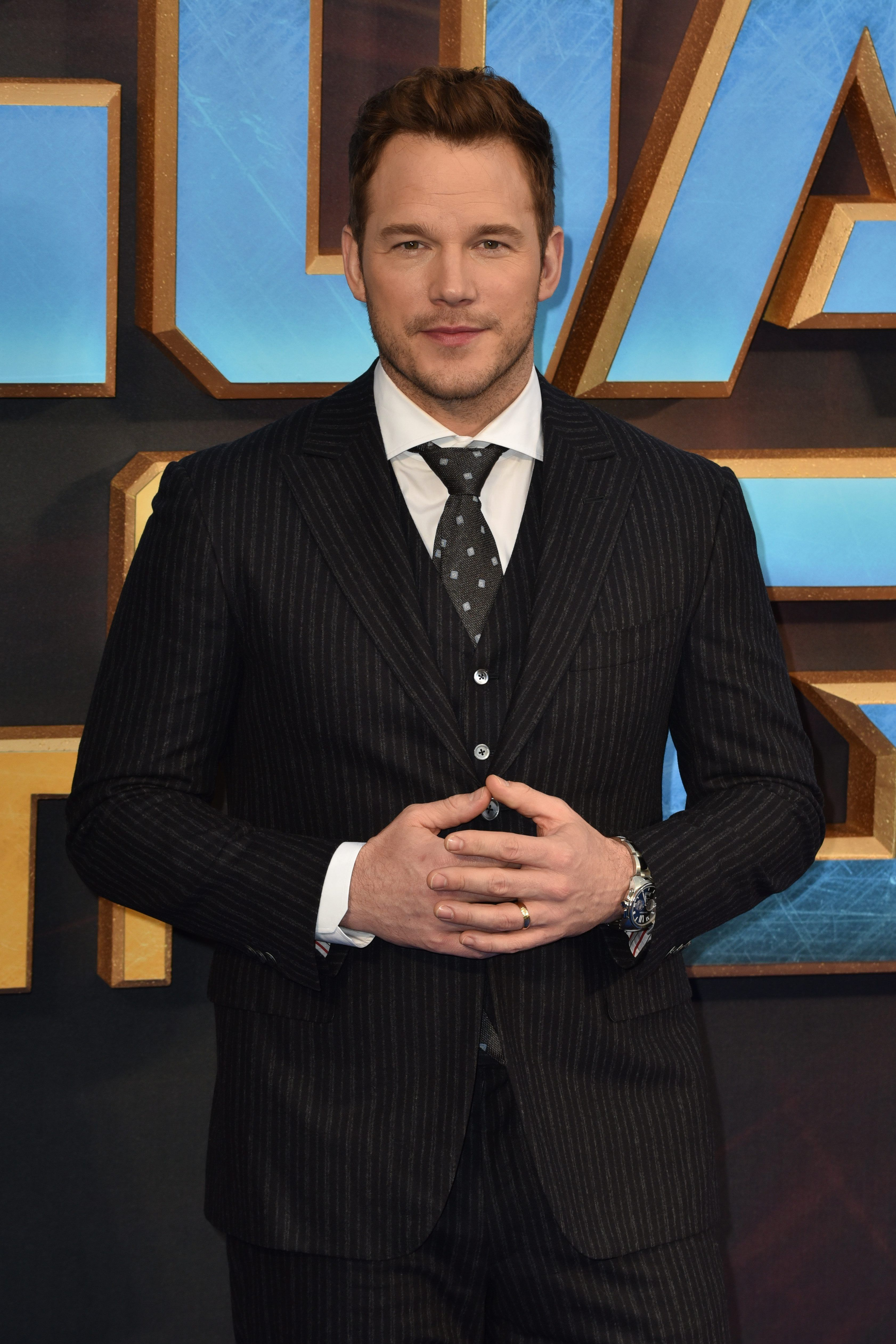 Chris Pratt Warns Female Fans After 'Potential Predator' Sets Up Fake Account