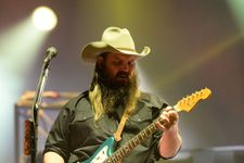 Chris Stapleton Cancels Tour Dates And Requires Physical Therapy