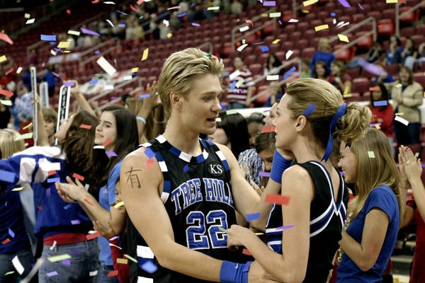 One Tree Hill: Memorable Lucas And Peyton Moments