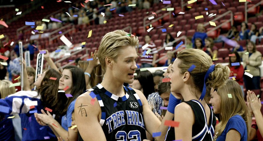 One Tree Hill Lucas and Peyton 16 times main characters