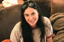 Demi Moore Admits She Lost Her Two Front Teeth From Stress