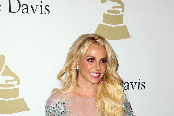 Britney Spears Sings Live Cover After Lip-Syncing Rumors