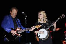 Glen Campbell's Daughter Ashley Posts Touching Tribute