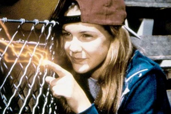 9 Things You Didn't Know About The Secret World Of Alex Mack