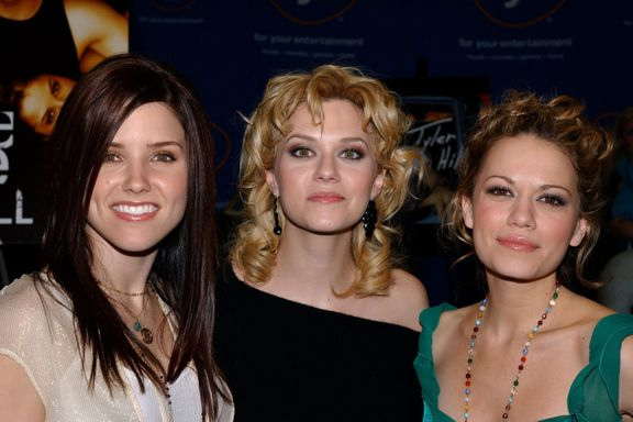 "Bethany Joy Lenz Says One Tree Hill Costar Hilarie Burton's Wedding To Jeffrey Dean Morgan Was ""Best Wedding Ever"""