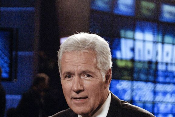 """Alex Trebek Hilariously Recited Lizzo's """"Truth Hurts"""" On 'Jeopardy!'"""