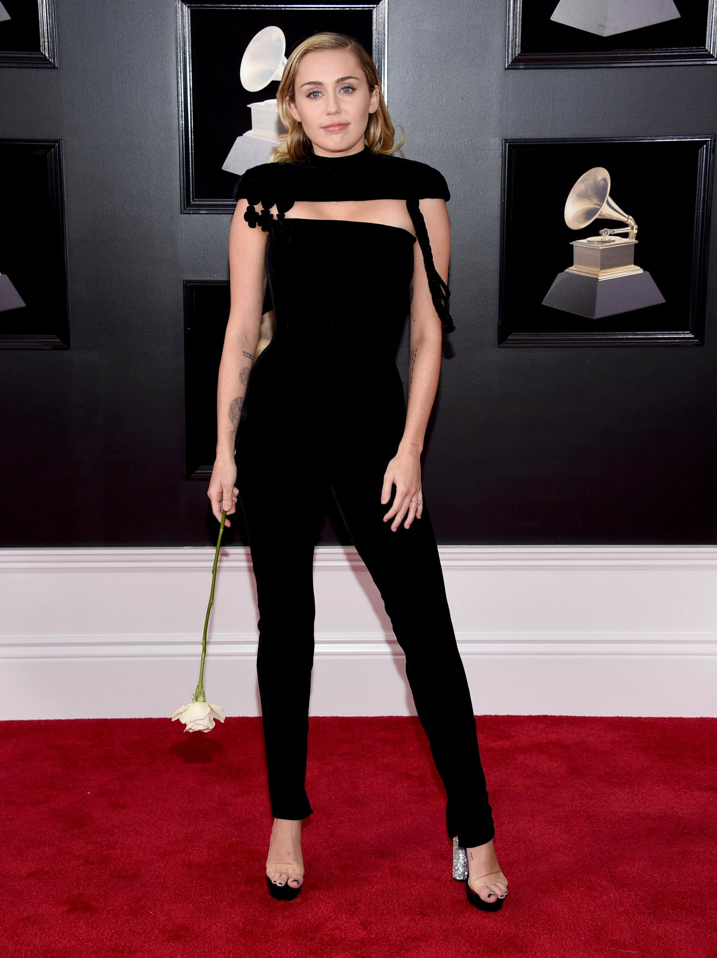 Grammy Awards 2018: 12 Best Dressed Stars - Fame10
