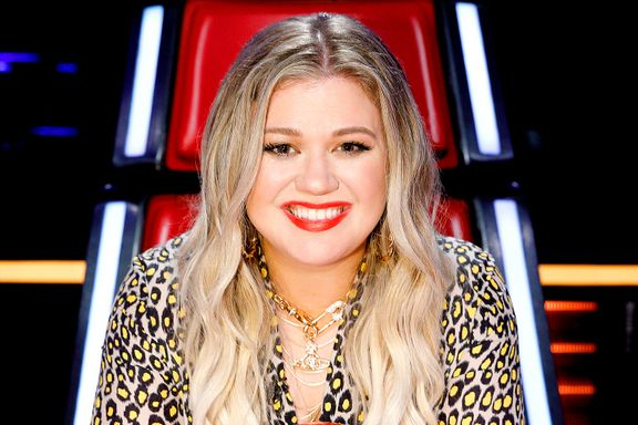 Kelly Clarkson Responds After Eliminated Voice Contestant Calls Her 'Small-Minded'