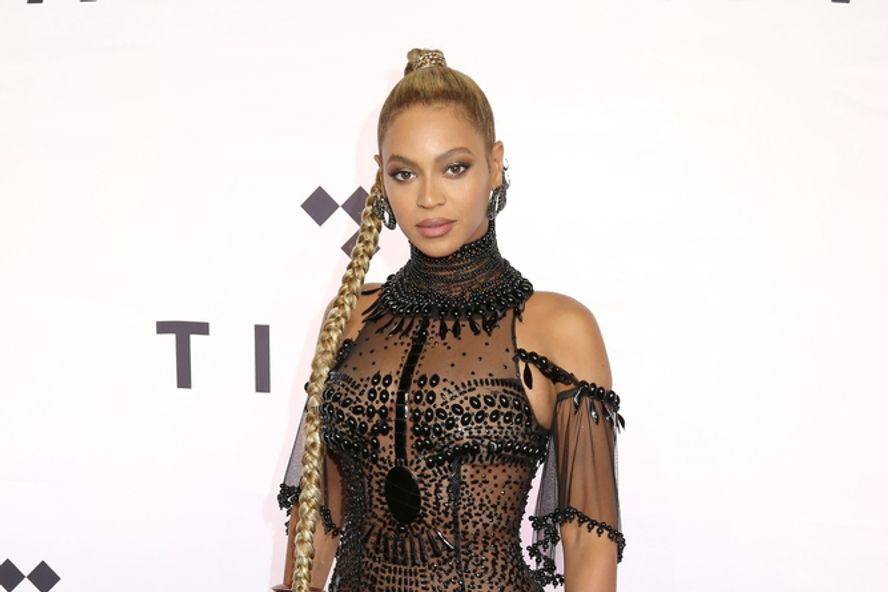 Beyoncé Receives Humanitarian Award At BET Awards 2020