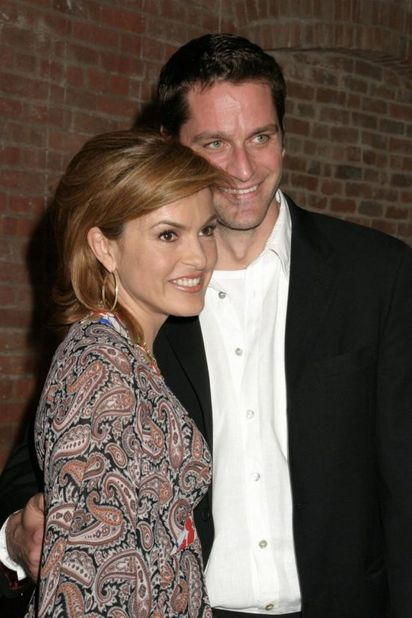 Things You Didn T Know About Mariska Hargitay And Peter Hermann S Relationship Fame10