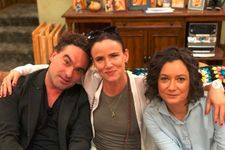 'Christmas Vacation' Stars Johnny Galecki And Juliette Lewis Will Reunite On 'The Conners'