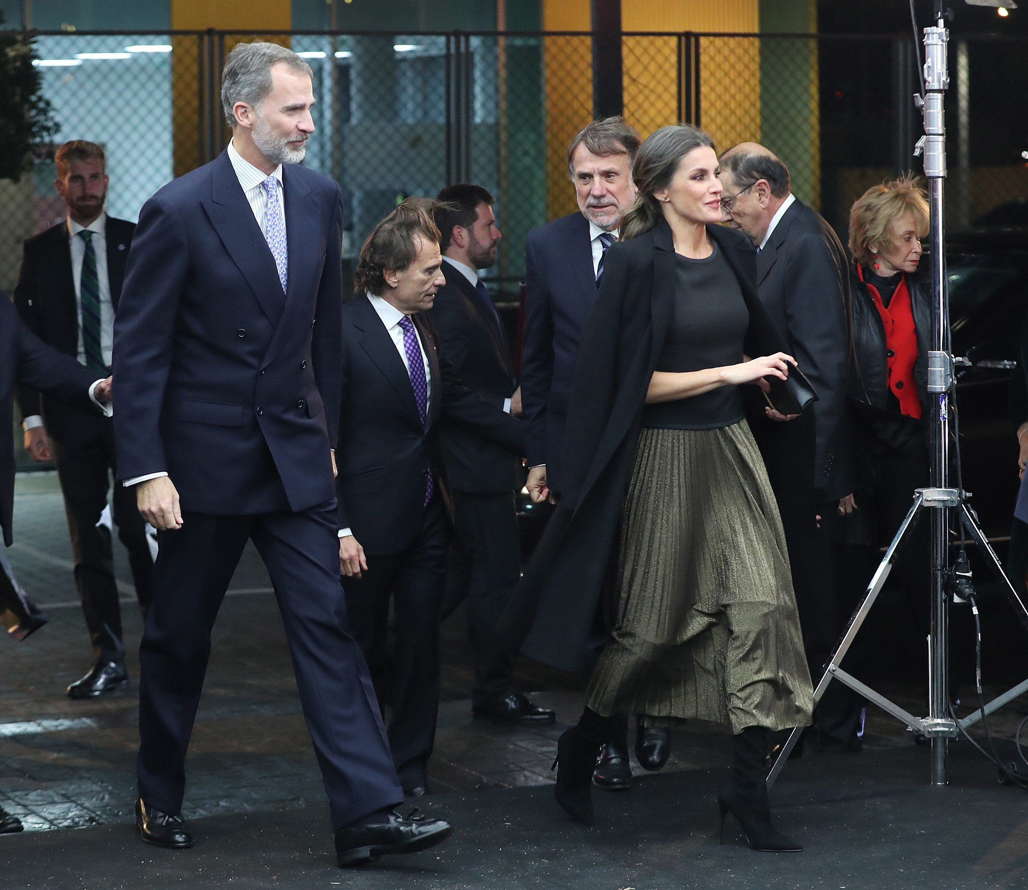 Queen Letizia Just Wore The Best Holiday Party Skirt - Fame10