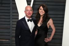 Things You Didn't Know About Jeff Bezos' Relationship With Lauren Sanchez