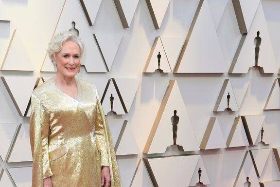 Glenn Close Walked The 2019 Oscars Red Carpet In A 42 Pound Gown