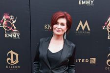 """Sharon Osbourne Shows Off """"100% White Hair"""" After Dyeing It Red For 18 Years"""