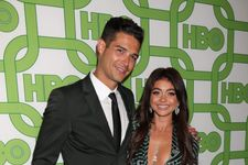 Modern Family's Sarah Hyland And Bachelor Nation's Wells Adams Are Engaged