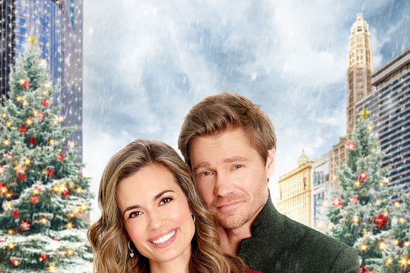 Hallmark Channel Schedules Impromptu Christmas Movie Marathon