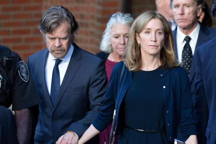 Felicity Huffman Reports To Prison For 14 Day Sentence
