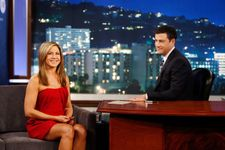 Jennifer Aniston Presents Jimmy Kimmel With His Friendsgiving Meal