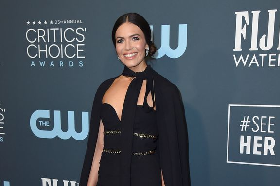 Mandy Moore Just Wore A Cape To The Critics' Choice Awards