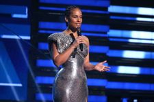 Alicia Keys Delivers An Emotional Tribute To Kobe Bryant At The 2020 Grammys