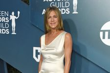 Jennifer Aniston Just Wore A '90s-Inspired Slip Dress To The 2020 SAG Awards