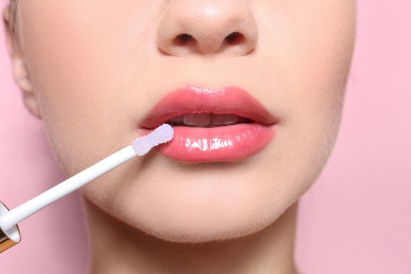 5 Plumping Lip Glosses That Actually Work