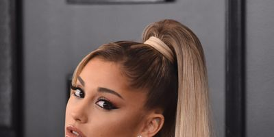 How To Apply Liquid Eyeliner: Your Step By Step Guide