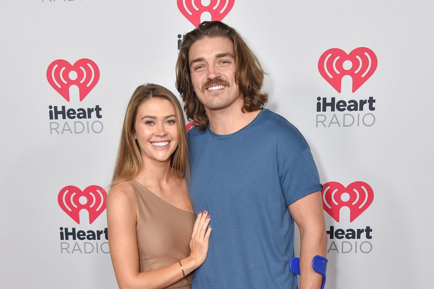 "'Bachelor In Paradise' Alums Dean Unglert And Caelynn Miller-Keyes Had A ""Commitment Ceremony"""
