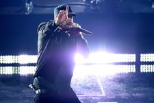 """Eminem Makes Surprise Appearance At Oscars With A Special Performance Of """"Lose Yourself"""""""