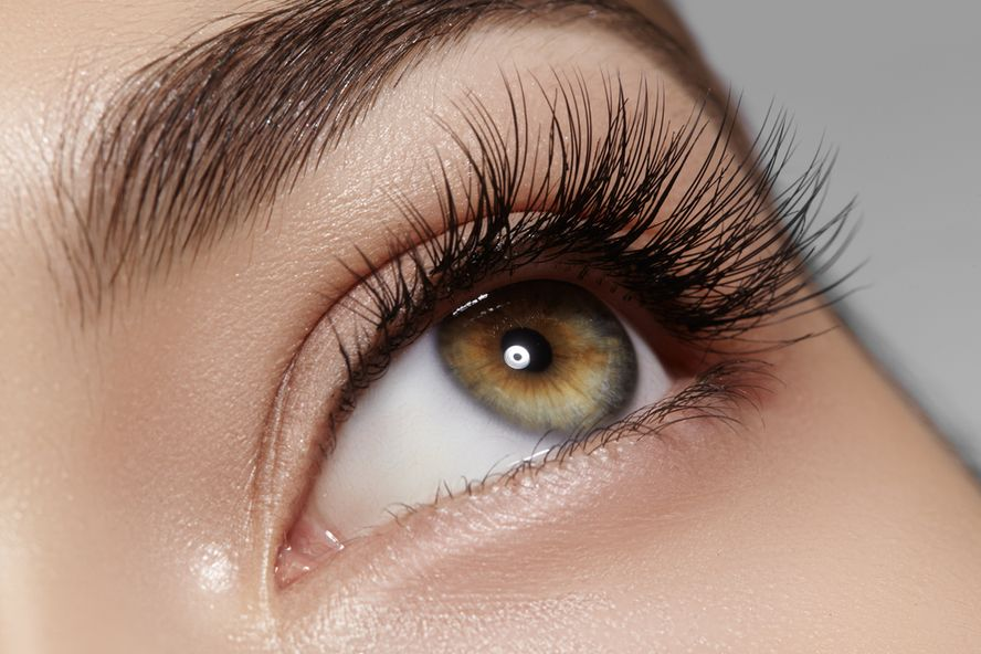 5 Products That Promote Eyelash Growth