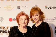 Reba McEntire Mourns Mom Jacqueline After Her Passing