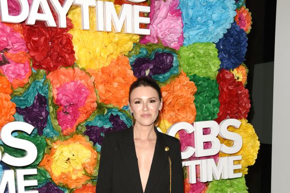 Elizabeth Hendrickson Welcomes Healthy Baby Girl